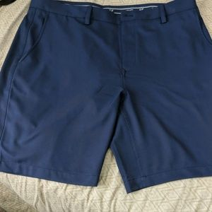 Men's 36 Vineyard Vines shorts